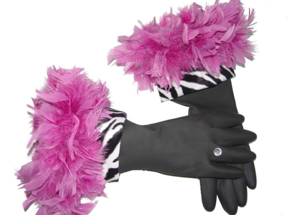 pink-feathered-hand-made-dish-gloves