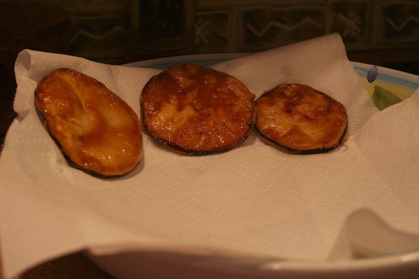 freshly-fried-eggplant-for-eggplant-parmesan