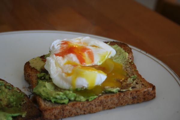 close-up-of-toast-with-eggs